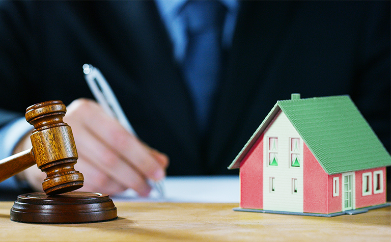 trusts and estate attorney